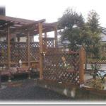 ウッドデッキ2次展開その2—-柱のすげ替え、屋根とゲートの作成、床下点検口の作成
