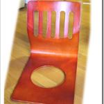 昔ながらの座椅子を回転式に改造です。